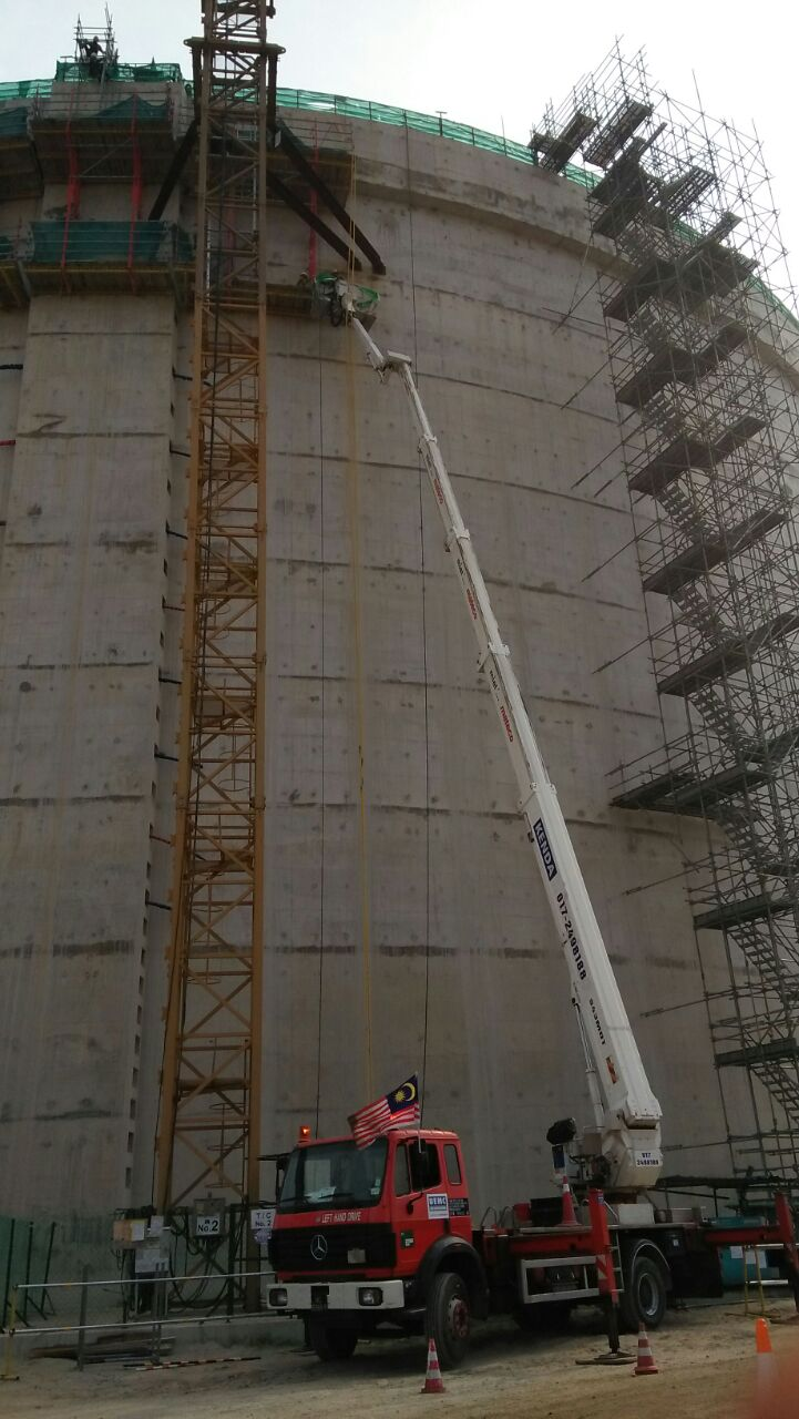 Skylift - Project Oil Tank Pengerang